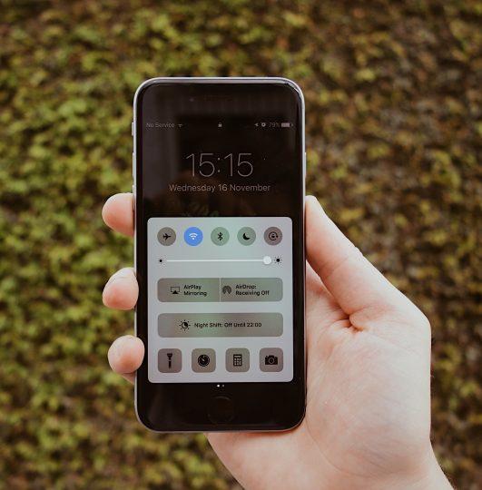 iPhone battery locked screen